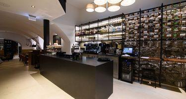 Kaiser Max Cafe Bar